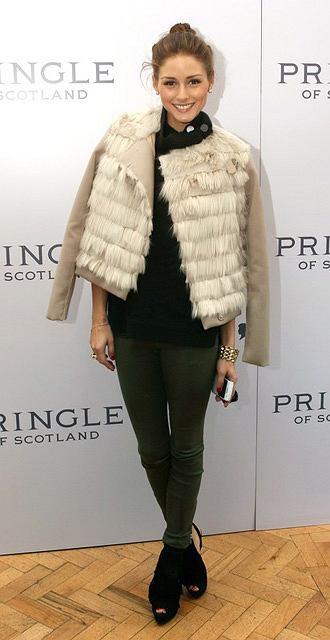 Olivia Palermo na pokazie Pringle of Scotland na jesień i zimę 2011/12 podczas London Fashion Week