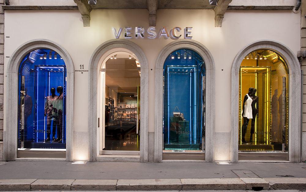 Sklep Versace w Mediolanie