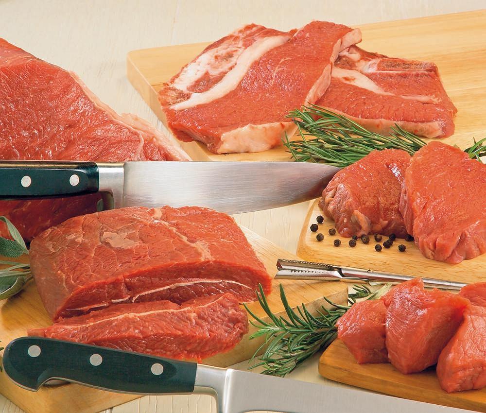 Mięso. Spożywanie mięsa jest ważne ze względu na znaczącą obecność kompletnych białek istotnych dla organizmu, a także soli mineralnych, żelaza i witamin z grupy B