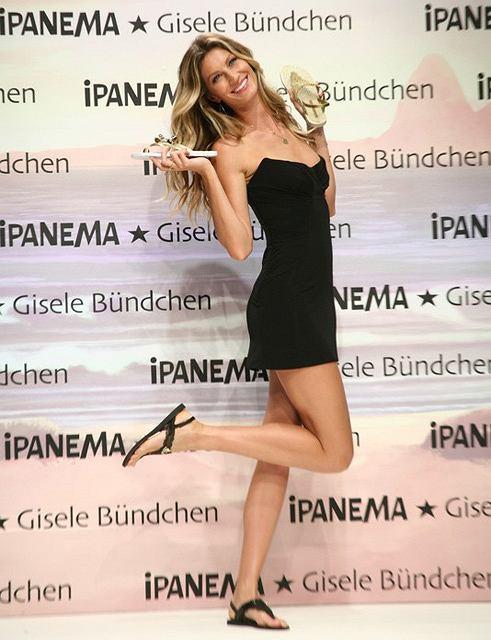 Gisele Bundchen prezentuje sandały Ipanema w Stambule