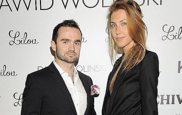 Na pokazie Dawida Wolińskiego pojawił się syn najbogatszego Polaka Sebastian Kulczyk. Towarzyszyła mu żona Katarzyna Jordan. Para prezentowała się jak zawsze w najlepszym stylu.