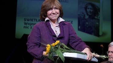 Pisarka Swietłana Aleksiejewicz podczas wręczania nagrody literackiej im. R. Kapuścińskiego