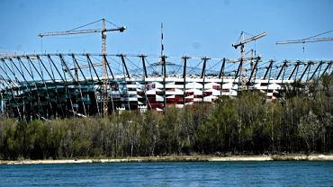 Stadion Narodowy widziany od strony Powiśla