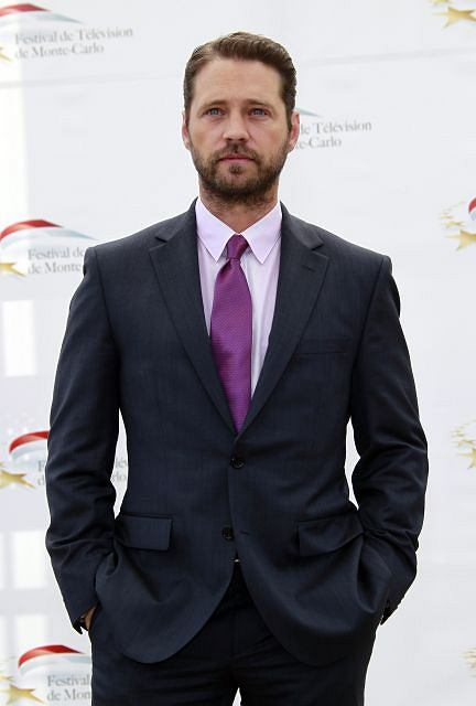 Actor Jason Priestley who stars in the television series 'Call Me Fitz'  poses during a photocall at the 51st Monte Carlo television festival in Monaco June7, 2011.   REUTERS/Eric Gaillard (MONACO - Tags: ENTERTAINMENT)