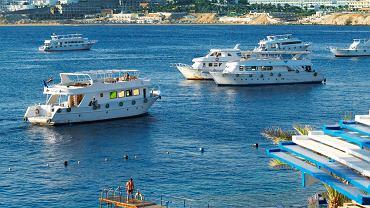 Egipt po raz pierwszy - czy warto wybrać wycieczkę objazdową? Lepiej zwiedzać Egipt autokarem czy wypłynąć w rejs po Nilu?