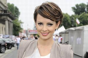 W miniony weekend Dorota Gardias pojawiła się na tegorocznej edycji Verva Street Racing - wyścigów w samym sercu Warszawy. Pogodynka TVN zachwycała swoim wyglądem! Odkryła także skrywane przez wiele lat znamię na czole. Zobacz!