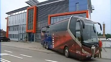 Autobus klubu FC Barcelona, którym podróżowała Bytovia Bytów