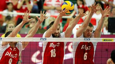 Zbigniew Bartman (w środku) w meczu z Brazylią w Spodku