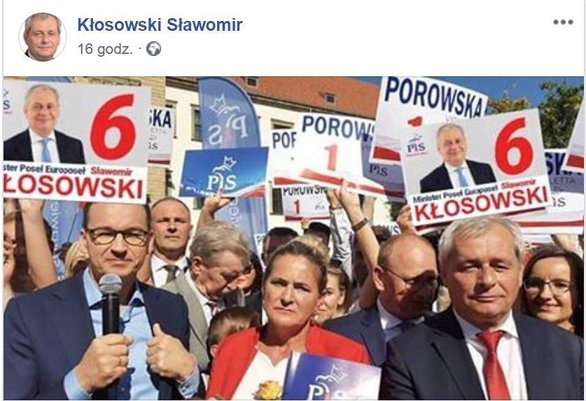 Sławomir Kłosowski na zdjęciu z premierem dodał nowe elementy.