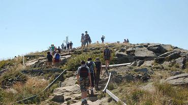 Bieszczady odwiedza z roku na rok coraz więcej turystów