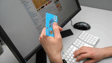Zakupy przez internet są coraz popularniejsze wśród Polaków