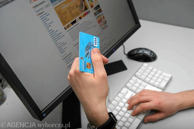 Klient szybszy niż firma. E-handel w Polsce rośnie, ale z problemami