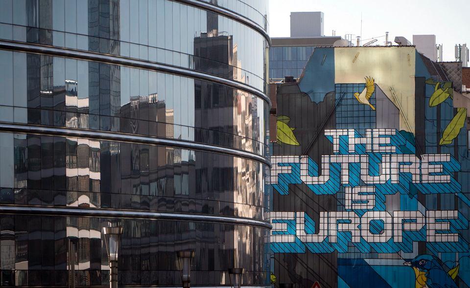 Bruksela chce nałożyć podatek na technologicznych gigantów
