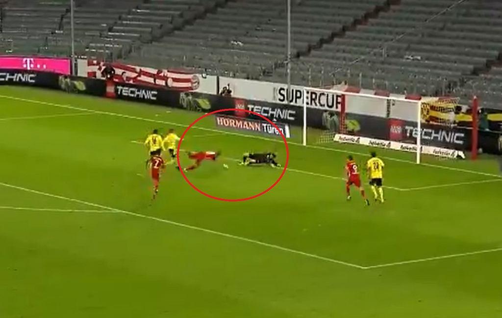 Kimmich strzelił przedziwną bramkę dla Bayernu w Superpucharze Niemiec. Akcję wyprowadził Lewandowski
