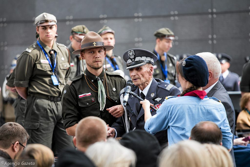 Gen. Ścibor-Rylski podczas uroczystości w Parku Wolności