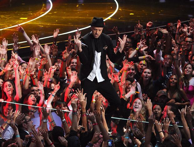 Justin Timberlake performs at the MTV Video Music Awards on Sunday, Aug. 25, 2013, at the Barclays Center in the Brooklyn borough of New York. (Photo by Charles Sykes/Invision/AP)
