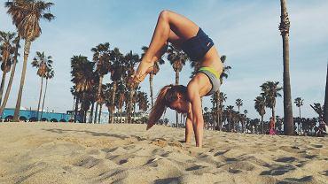 Valeria jest nie tylko wysportowana, ale także bardzo wygimnastykowana. Szpagat, stanie na rękach, mostek... to tylko niektóre z pozycji, które możemy zobaczyć na jej Instagramie.