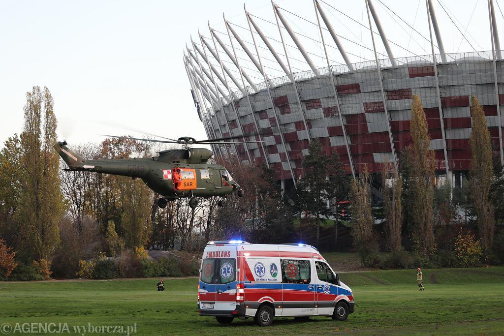 5.11.2020, Warszawa, ćwiczenia służb medycznych przed Szpitalem Narodowym na Stadionie Narodowym.