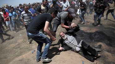 Palestyńskie protesty w Strefie Gazy rozpędzane przez izraelskie wojsko m.in. przy użyciu ostrej amunicji