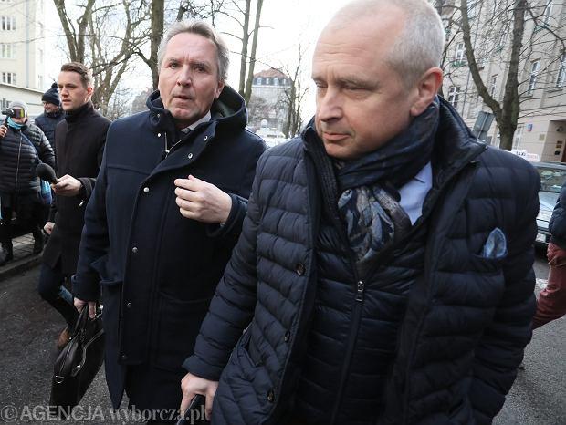 11 lutego, Warszawa, Gerald Birgfellner i Jacek Dubois (z przodu) wychodzą z prokuratury