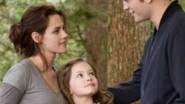 """Filmowa córka Belli i Edwarda ze """"Zmierzchu"""" - jak dziś wygląda? Mackenzie Foy skradła serca fanów sagi"""