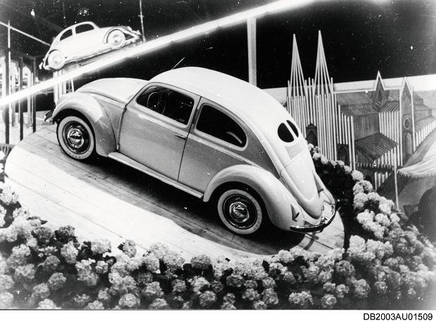 Garbus na salonie motoryzacyjnym we Frankfurcie w 1951 roku