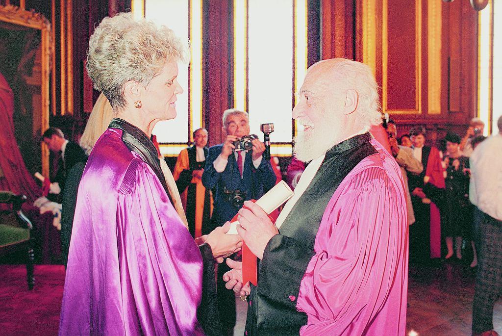 Samuel Eilenberg (1913-1998). Na zdjęciu odbiera doktorat honoris causa na Sorbonie w 1989 r.