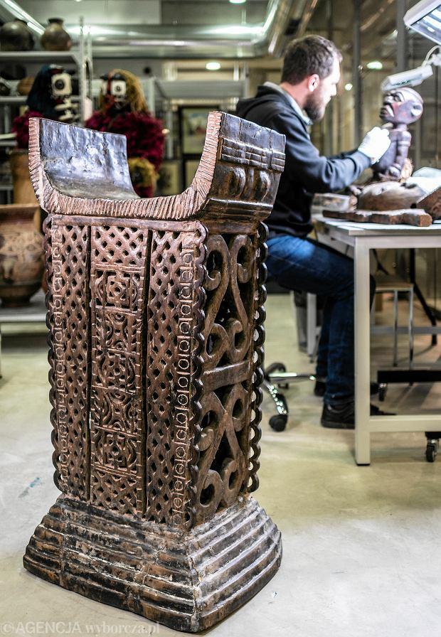 Tron ludu Fon z Muzeum Miejskiego w Żorach