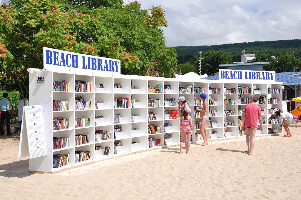 Biblioteka na plaży w mieście Albena w Bułgarii