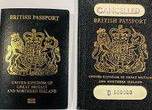 Brytyjczycy będą mieć nowe, niebieskie  paszporty. Są drukowane w Polsce