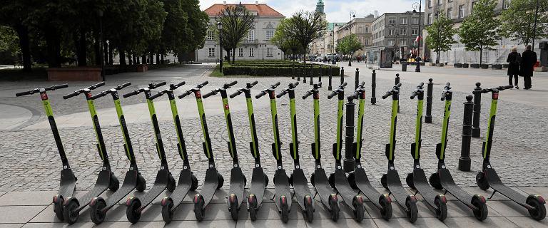 Ukradli hulajnogi elektryczne za ponad 190 tys. zł. Zatrzymani