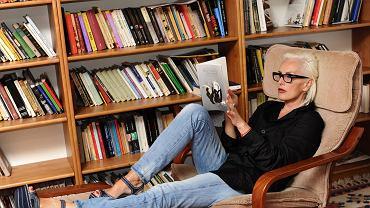 Kora Jackowska w swoim domu. Czyta 'Nigdy samotniej i inne wiersze' Gottfrieda Benna. Warszawa, 17 czerwca 2011