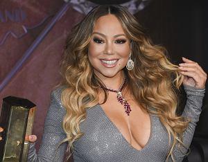 Mariah Carey urodziła się 27 marca 1970 roku w Nowym Jorku. Jest drugą po Madonnie artystką z największą liczbą sprzedanych wydawnictw muzycznych w historii, według Księgi rekordów Guinnessa. Nakład ze sprzedaży wszystkich formatów wydawniczych piosenkarki sięgnął 200 milionów egzemplarzy na całym świecie. Zobaczcie, jak diwa zmieniała się na przestrzeni lat.