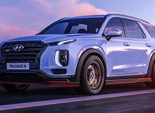 Nadjeżdżają sportowe modele Hyundaia. Wśród nich superauto z centralnym silnikiem
