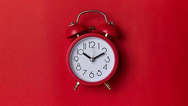 Ile nasz mózg chce spać? W jakich godzinach? To musimy wiedzieć i z tym przestać walczyć. Jedna trzecia ludzi z bezsennością sypia źle, bo żyje niezgodnie ze swoim zegarem