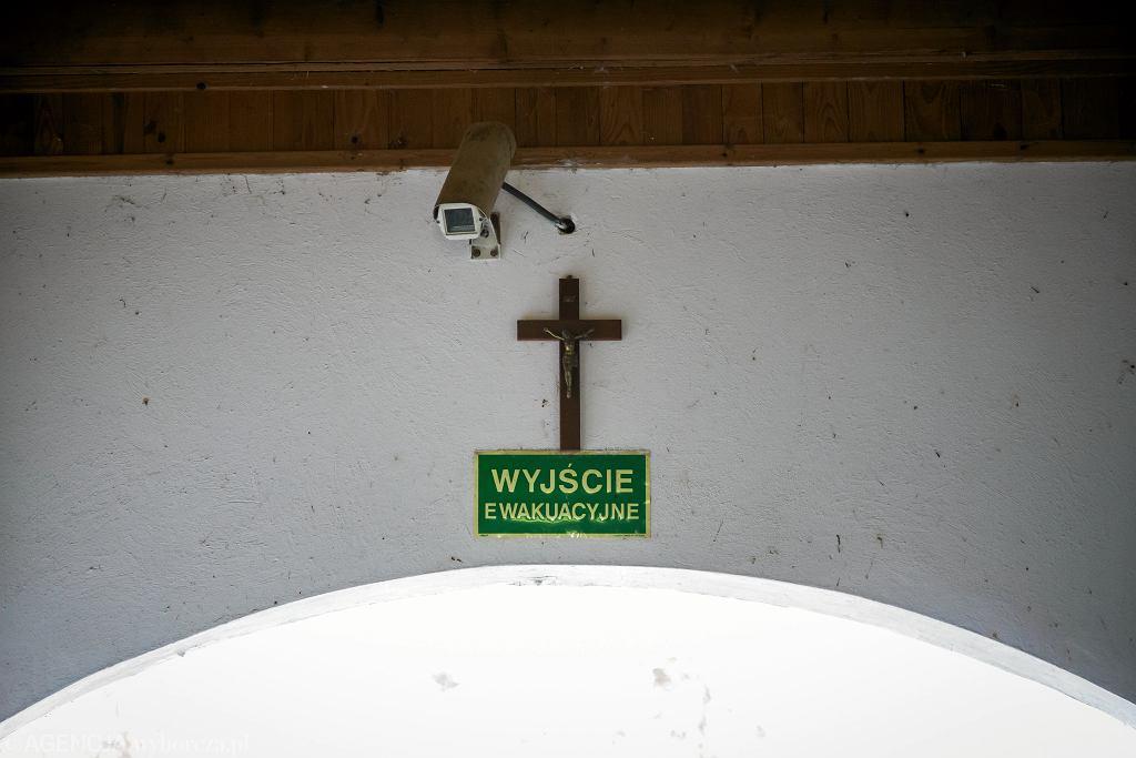 W Polsce wzrasta liczba apostazji