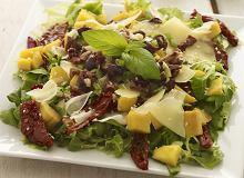 Sałatka z mango i serem comte - ugotuj