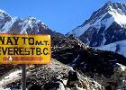 Zobaczyć Everest. Jak zorganizować trekking do bazy pod Everestem [KROK PO KROKU]
