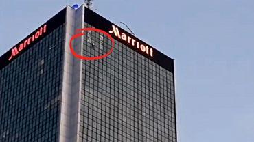 Wspinacz na hotelu Marriott