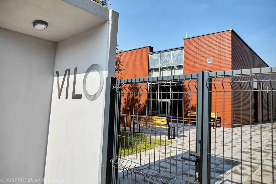 Zdjęcie numer 2 w galerii - VI LO w Gdyni ma wreszcie porządną salę gimnastyczną [ZDJĘCIA]