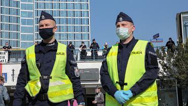 Drugi dzień strajku przedsiębiorców w Warszawie, organizowany przez kandydata na prezydenta Pawla Tanajno. Warszawa, 08.05.2020