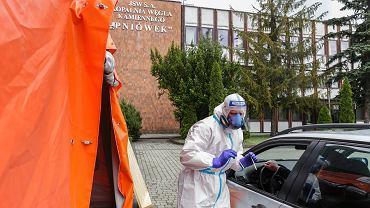 Koronawirus. Cztery razy więcej zakażonych, niż w oficjalnych statystykach. Naukowcy ze Śląska opublikowali badania
