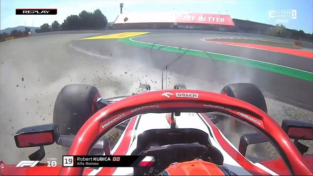 Robert Kubica podczas Grand Prix Hiszpanii, poślizg i utknięcie w żwirze. Źródło: Eleven Sports