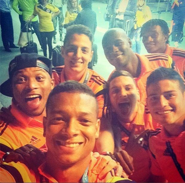 Piłkarze Kolumbii celebrują awans do 1/4 finału