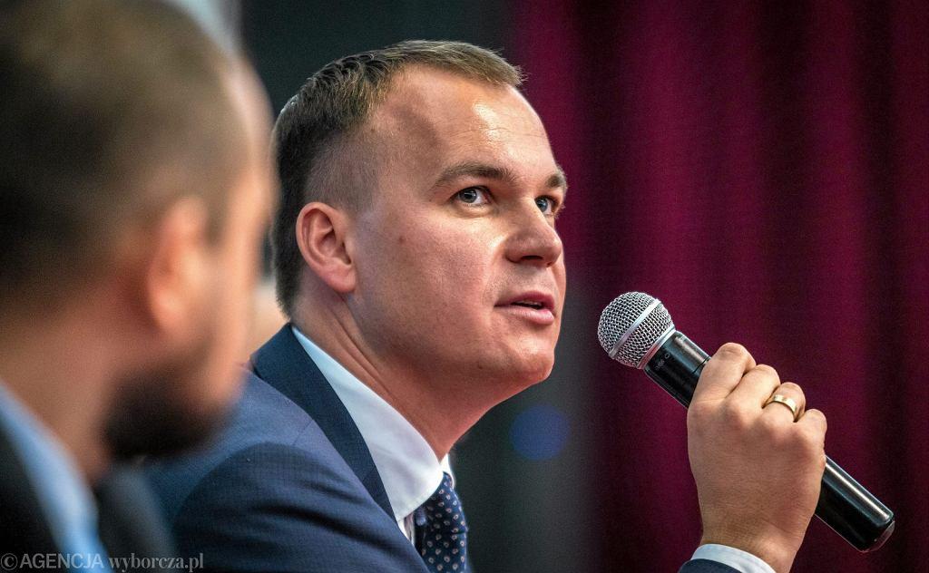 Dawid Kostempski przegrywa w II turze wyborów samorządowych 2018