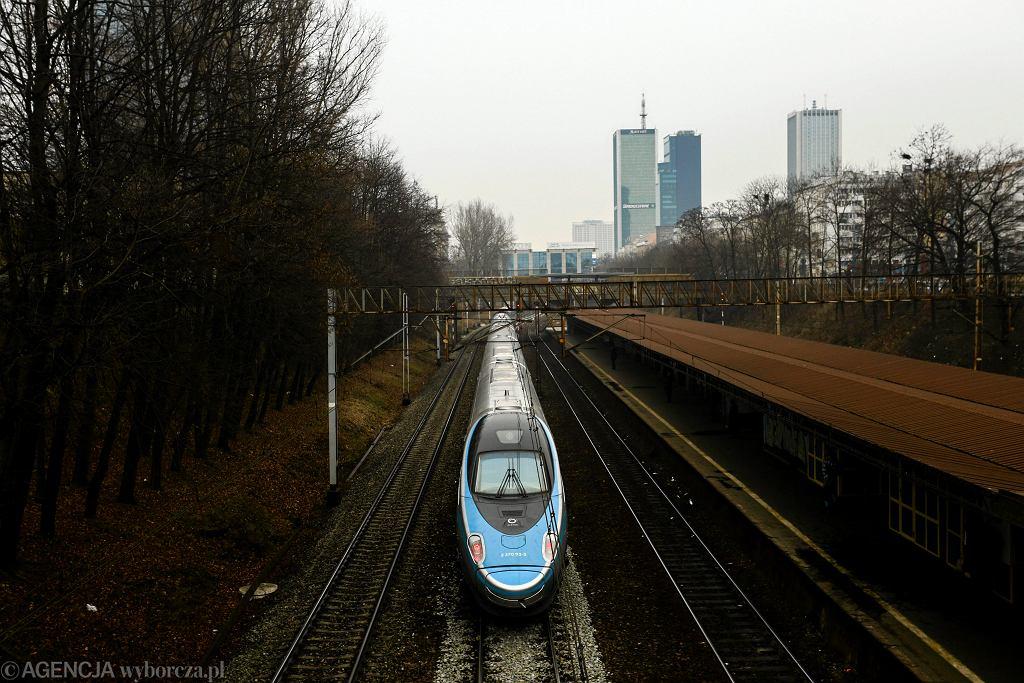 Pociąg Pendolino w Warszawie