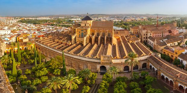 Widok na Wielki Meczet Mezquita - Catedral de Cordoba, Andaluzja, Hiszpania (fot. Shutterstock)