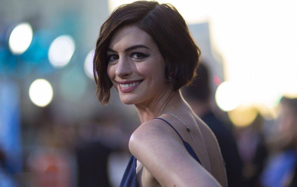 Anne Hathaway na premierze