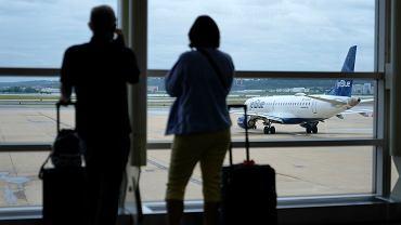 Amerykańskie linie lotnicze - zdjęcie ilustracyjne