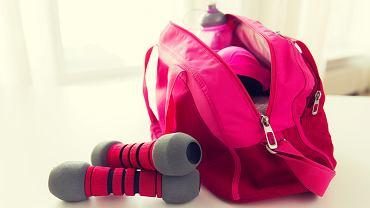 Różowa torba sportowa / Źródło: Shutterstock